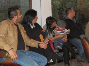 Foto 3_Beschäftigte +Familienangehörige im Ratssaal