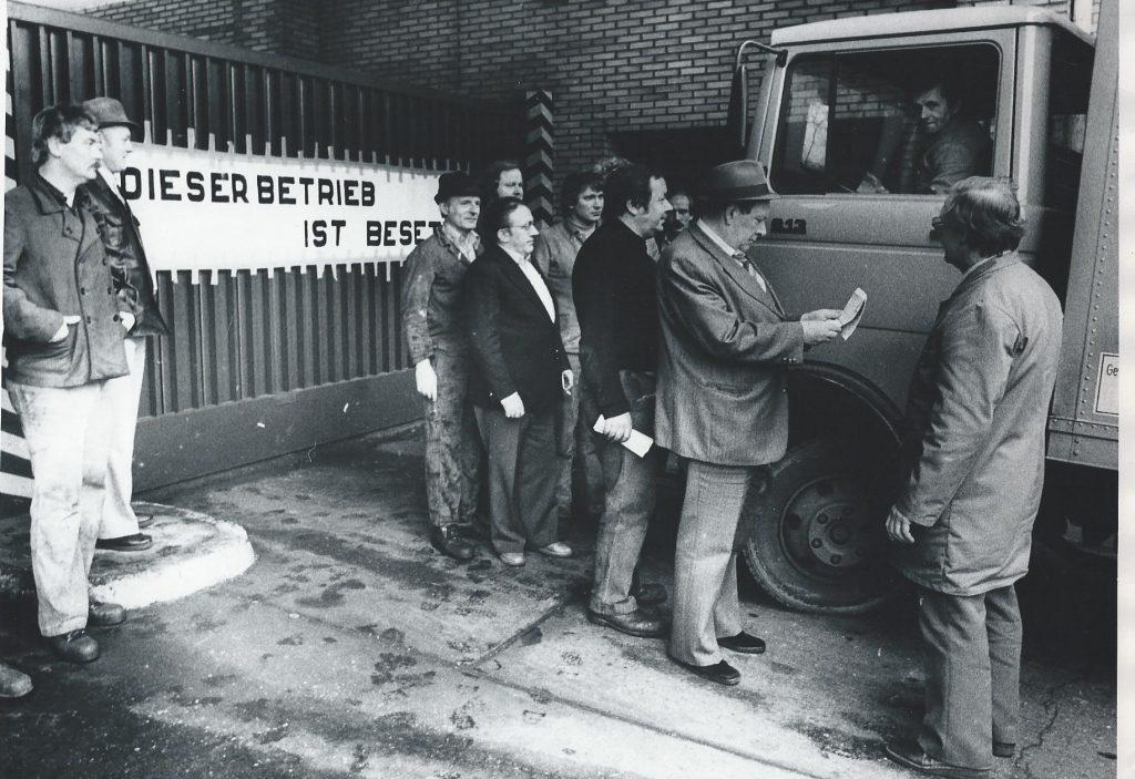 Das Aktionskomitee kontrolliert einfahrende LkWs Foto: IGM GH-Archiv